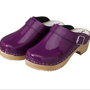 Hanna Andersson Purple Patent Leather Swedish Clog
